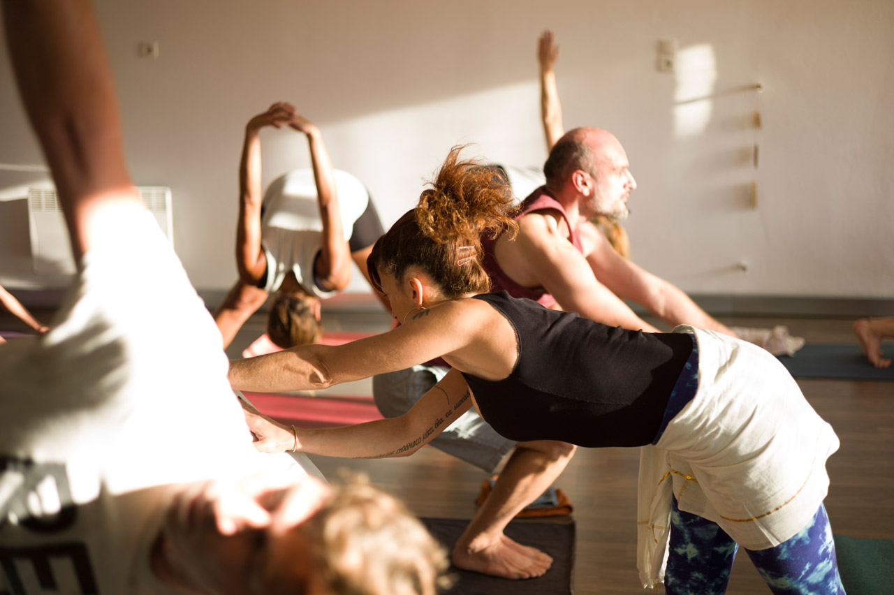 ashtanga-yoga-shala-mysore-morning-class